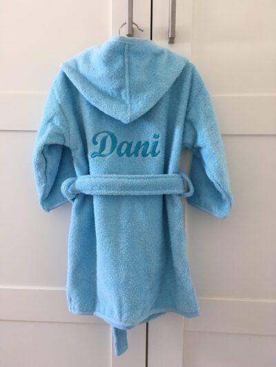 badjas-naam-geborduurd